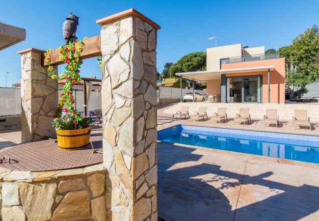 Villa en Tordera - OS HomeHolidaysRentals Diamond -Costa Barcelona