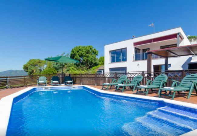 Villa en Santa Susana - HomeHolidaysRentals Panoramic - Costa Barcelona