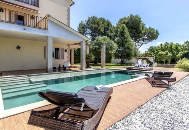 Villa en Piera - HomeHolidaysRentals Piera